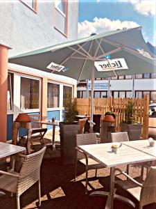 Ein Restaurant oder anderes Speiselokal in der Unterkunft Parkhotel Schotten