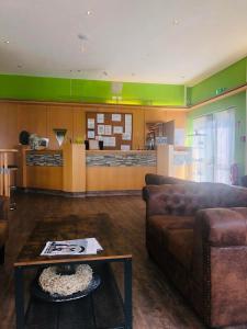 Lobby/Rezeption in der Unterkunft Parkhotel Schotten