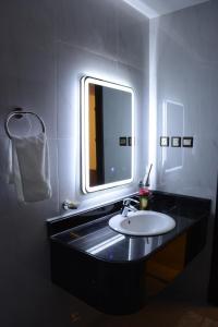 حمام في الايوان للاجنحة الفندقية