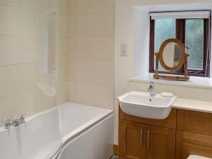 A bathroom at The Apple House