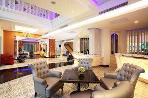 Hol lub recepcja w obiekcie Chillax Resort