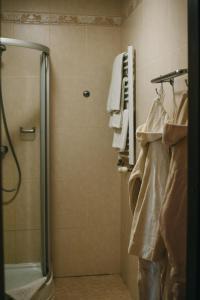 A bathroom at Shelter Club Hotel & Spa