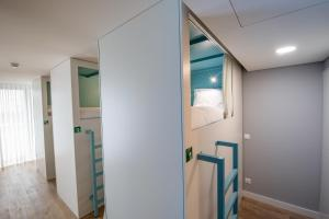 A bathroom at Ilha Hostel & Suites