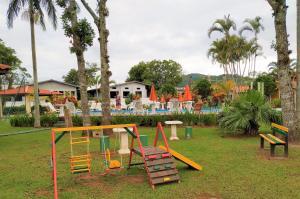 Zona de juegos infantil en Chalé Ponta das Canas
