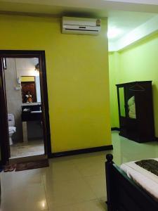 Salle de bains dans l'établissement Thoulasith Guesthouse