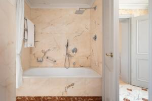 A bathroom at The Westin Excelsior, Florence