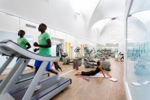 The fitness center and/or fitness facilities at Hotel Bretagna Heritage - Alfieri Collezione