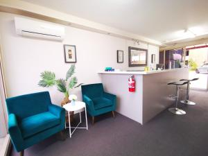 The lobby or reception area at Parkdale Motor Inn