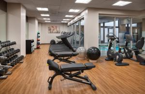 The fitness center and/or fitness facilities at Courtyard Seattle Downtown / Pioneer Square
