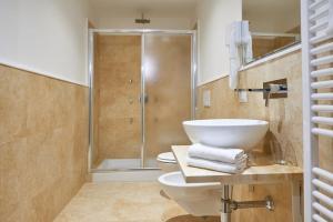 A bathroom at B&B Le Stanze del Duomo
