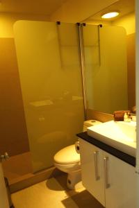 Een badkamer bij Lagoon Marina Apartments