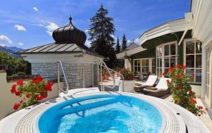 The swimming pool at or near Salzburgerhof Wellness-, Golf- und Genießerhotel