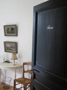 A television and/or entertainment center at Villa Adélaïde
