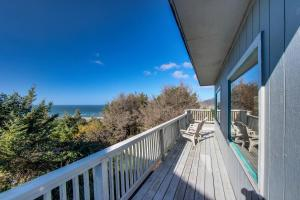 A balcony or terrace at Whale Watch
