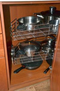 Кухня или мини-кухня в Апартаменты на Тукая