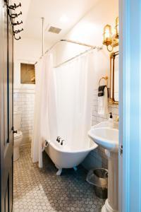 A bathroom at The Dove Inn