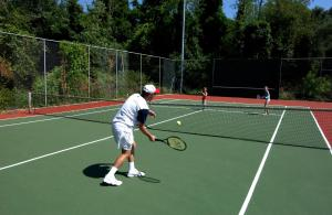 Tennis and/or squash facilities at Corfu Holiday Palace or nearby