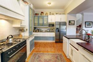 A kitchen or kitchenette at Blydschap Wine Estate