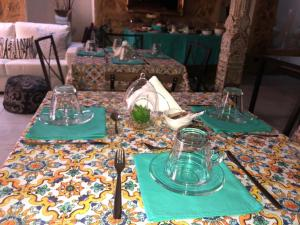 A restaurant or other place to eat at I Catoi Di Girgenti