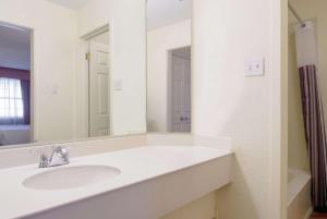 A bathroom at La Quinta Inn by Wyndham Denver Cherry Creek