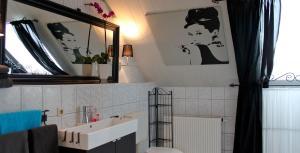 Ein Badezimmer in der Unterkunft Gästehaus Gebauer