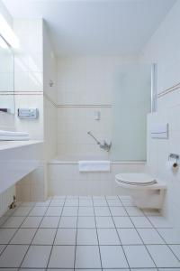 A bathroom at Fletcher Landhotel Bosrijk Roermond