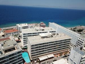A bird's-eye view of Athena Hotel