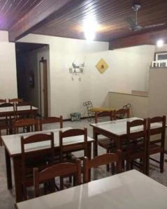 A restaurant or other place to eat at Pousada Caminho Do Mar - BA