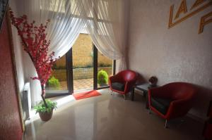 Гостиная зона в Guest House Laza Plaza