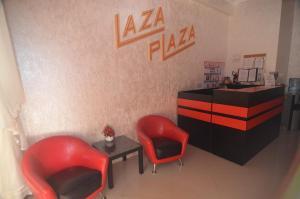 Лобби или стойка регистрации в Guest House Laza Plaza