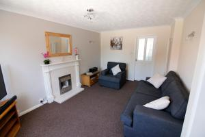 A seating area at Hinckley Home Sleeps 7 Complete house