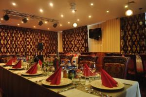 A restaurant or other place to eat at Platinum Hotel Ulaanbaatar