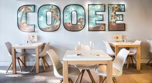 A restaurant or other place to eat at HOTEL COOEE CALA RATJADA