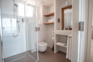 A bathroom at Marble Stella Maris Ibiza