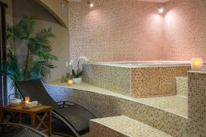 Spa and/or other wellness facilities at Hôtel Club Les Sittelles