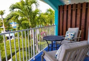 A balcony or terrace at Island Club Turks Grace Bay