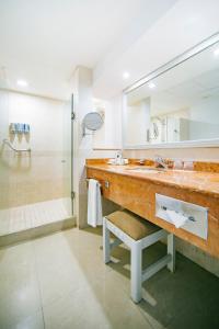 Un baño de Occidental Costa Cancún - All Inclusive