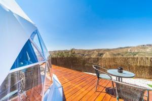 Un balcón o terraza de Luxury Dome Retreat