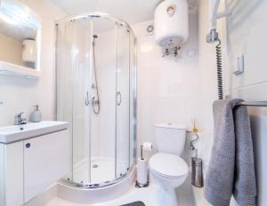 Un baño de Luxury Dome Retreat