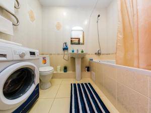 Ванная комната в Apartment on ulitsa Krasnaya 176 ZK bolshoy