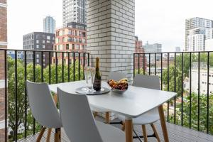 A balcony or terrace at Luxury Central London Apartment