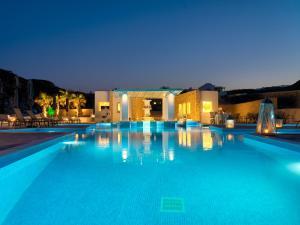 The swimming pool at or near Desiterra Resort