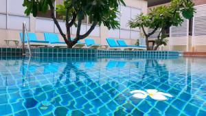 The swimming pool at or near FuramaXclusive Sathorn, Bangkok
