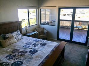 A bed or beds in a room at Coastal Paradise Jurien Bay