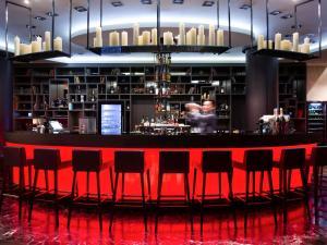 The lounge or bar area at Mercure Moscow Paveletskaya