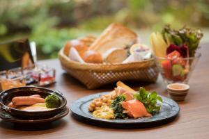 Lunch en/of diner beschikbaar voor gasten van Luxury hotel SOWAKA