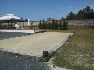 The swimming pool at or near Chambres et Espace Détente Bien-Être Sologn'ami