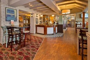 A restaurant or other place to eat at Blue Bell Lodge Hotel