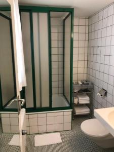 A bathroom at Landgasthof Adler Bett & Frühstück