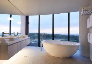 A bathroom at RACV Cape Schanck Resort